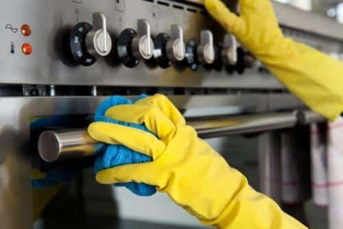 طرق وأدوات تنظيف المطابخ المنزلية