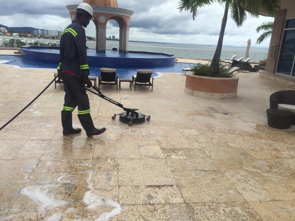 الحفاظ علي سطح المنزل نظيف